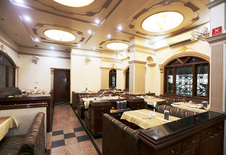 OYO 3646 Hotel Shree Yash, Пуна, Ресторан