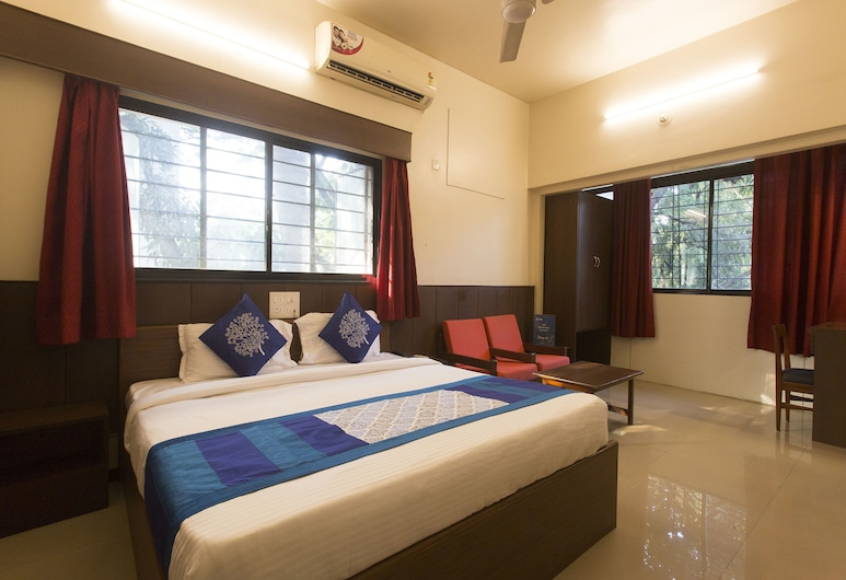 OYO 9831 Hotel Pathik, Pune
