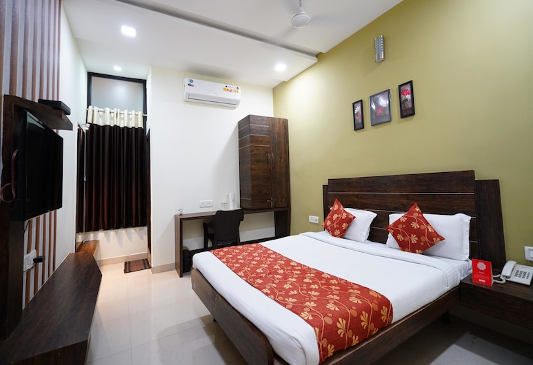 OYO 8173 Hotel Singh Palace, Raipur, Double or Twin Room, Guest Room