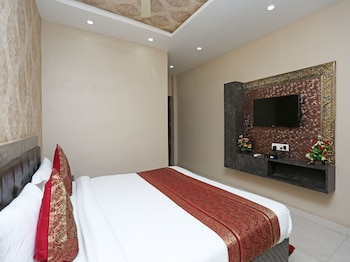 Picture of OYO 10338 Hotel Aadesh Palace in Varanasi