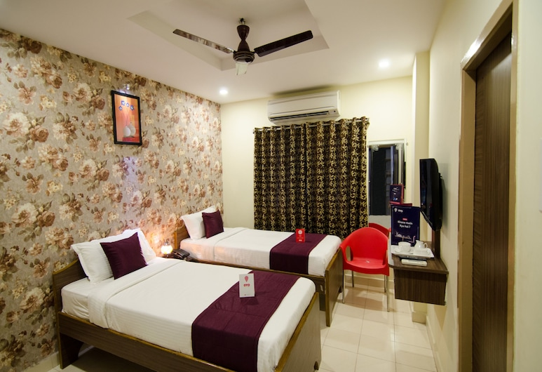 OYO 8671 Sri Krishna Residency, Visakhapatnam, Double or Twin Room, Guest Room