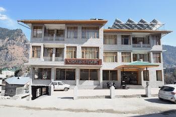 Picture of OYO 11618 Sarthak Regency in Manali