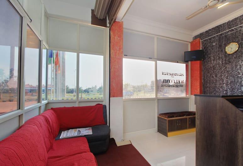 OYO 10656 Hotel Shravya Residency, Mysore, Lobby Sitting Area