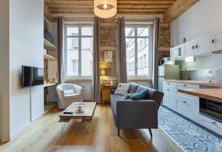 Be My Home - L'Antiquaire, Lyon, Apartment, Room