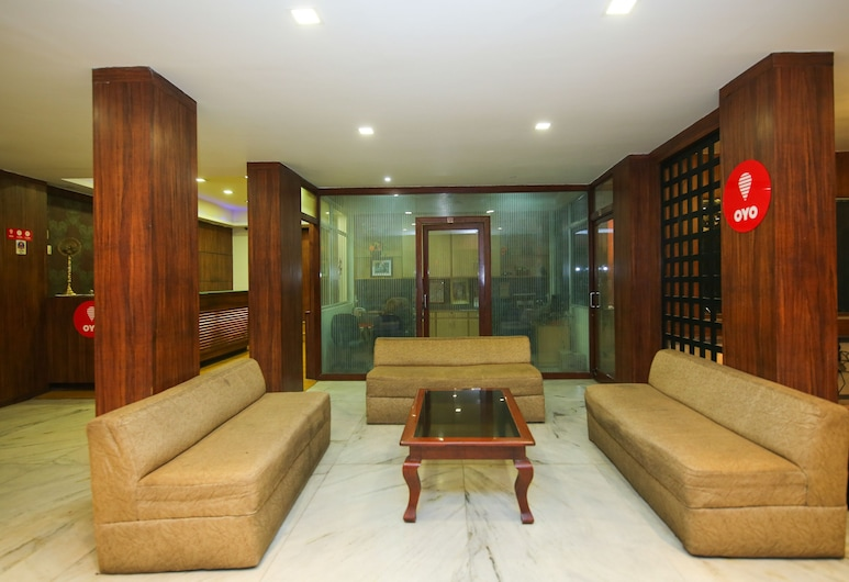 OYO 10606 Hotel Shriradha Civic Centre, Jabalpur, Lobby Sitting Area