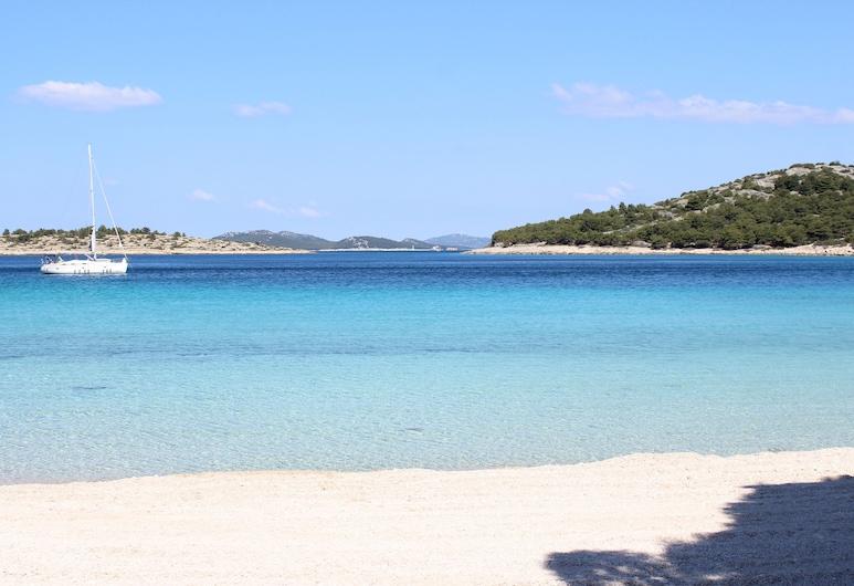 Murter Voltera, Tisno, Beach