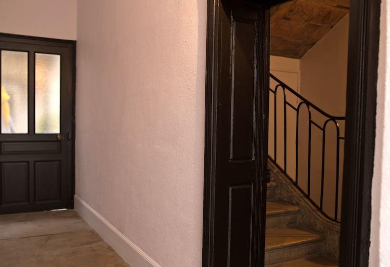 Studio Saint-Fiacre, Dijon, Otel girişi