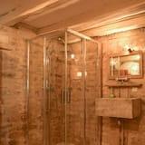 Cottage Familial, salle de bains attenante (Blanche) - Salle de bain