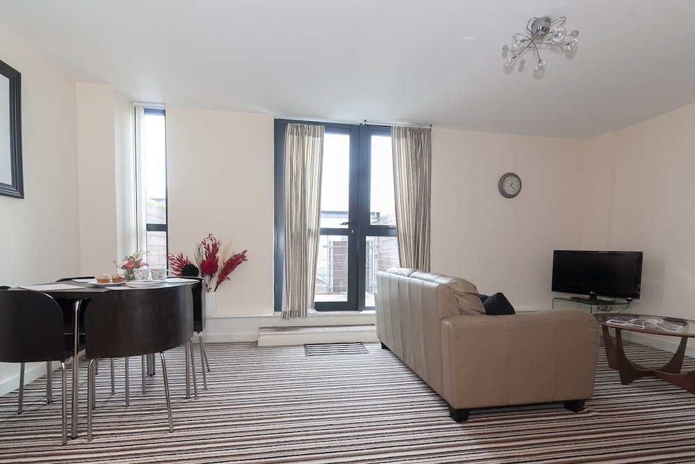 Lovely 2br Flat Near Trendy Northern Quarter Manchester