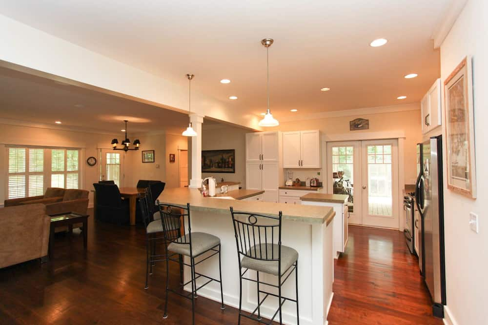 City House, 4 Bedrooms, Fireplace - In-Room Dining
