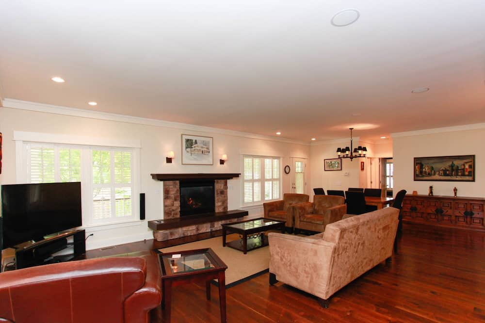 City House, 4 Bedrooms, Fireplace - Living Room