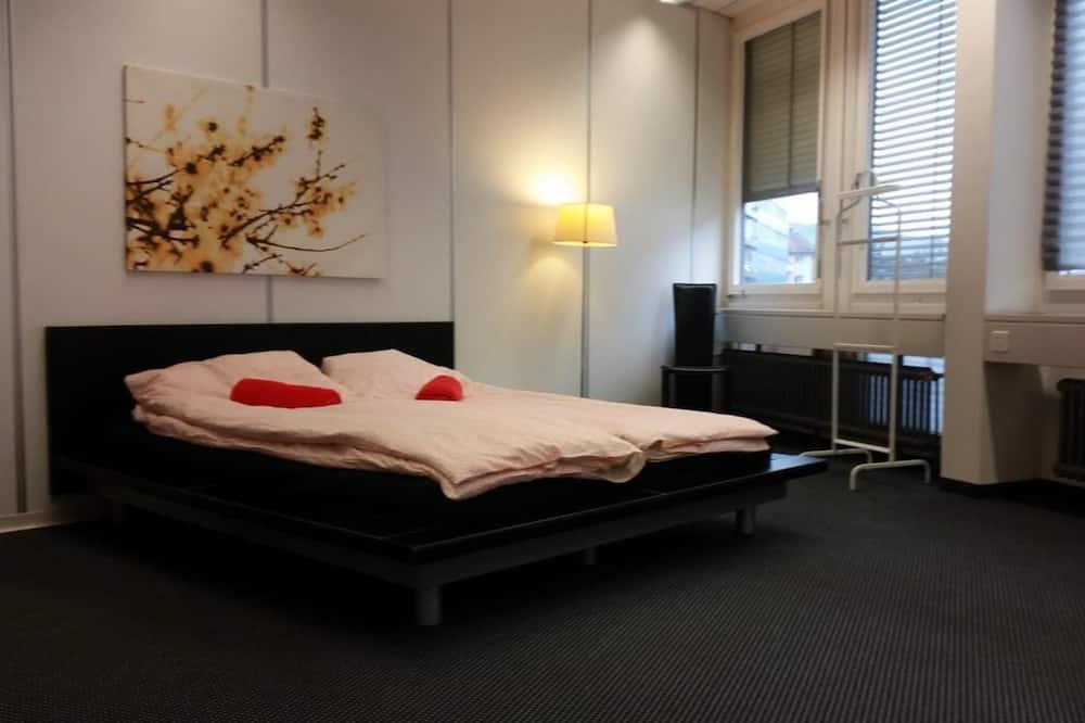 Economy Quadruple Room, Shared Bathroom (1) - Guest Room