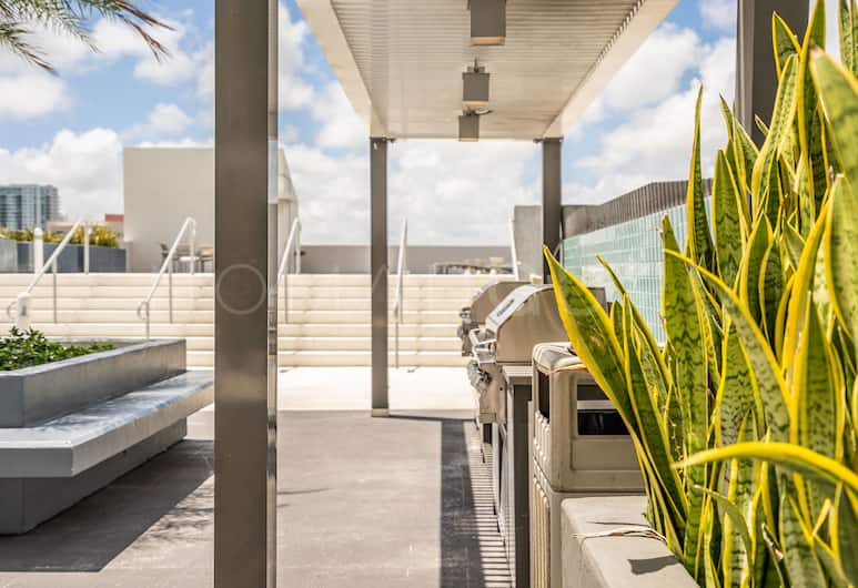 Modern Boutique Residences By Nomad Guru, Miami, BBQ/Picnic Area