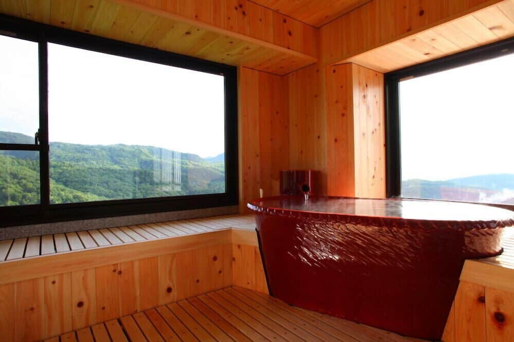 Japanese Style Suite with Private Open-air Bath, Beniyuki - Private spa tub