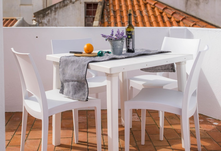 B10 - Historic Old Town 2 bed apartment  by DreamAlgarve, Lagos