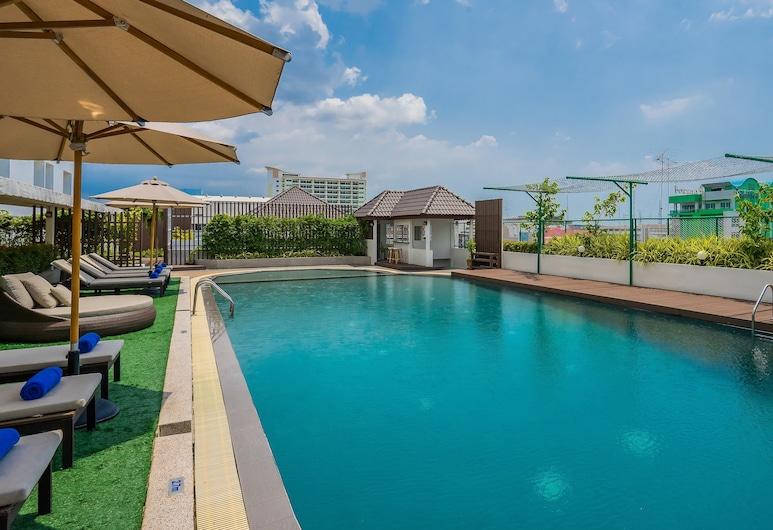 Rattanachol Hotel, Chonburi, Vonkajší bazén