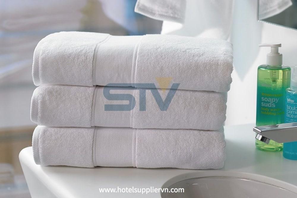 חדר זוגי, מיטה זוגית - חדר רחצה