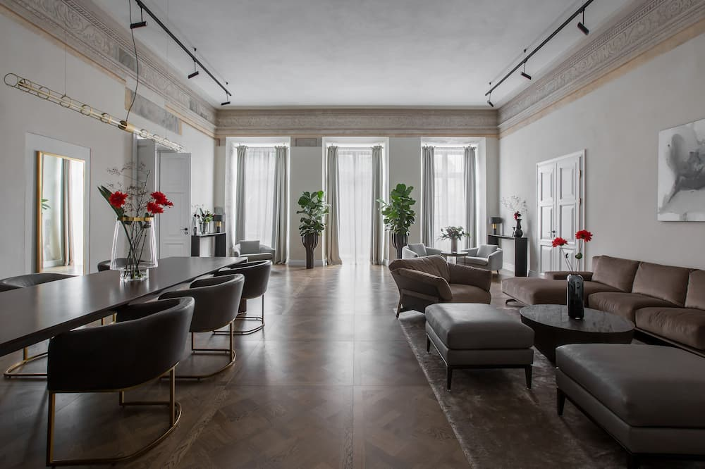 Suite (PACAI) - Living Area