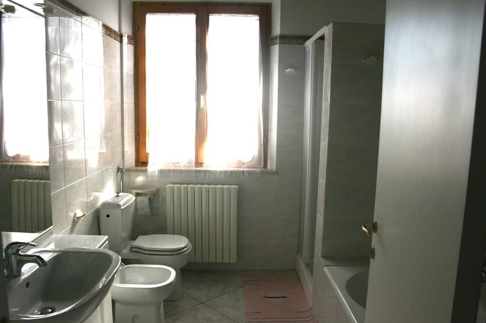 ファミリー ルーム 2 ベッドルーム キッチン ガーデンビュー - バスルーム