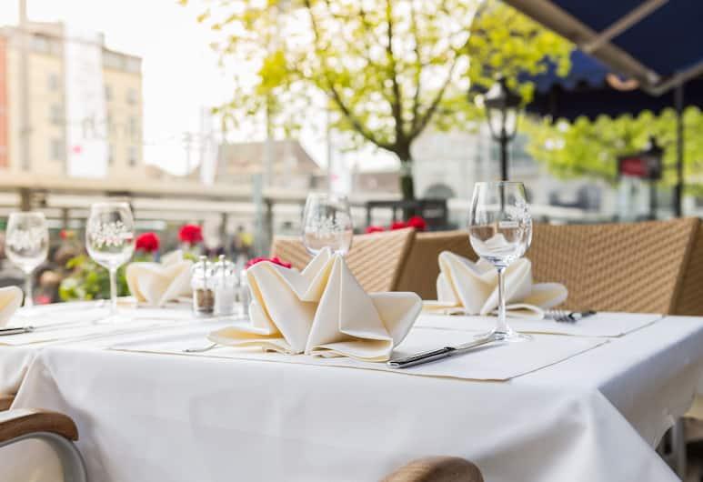 City Inn Basel, Basel, Restaurang utomhus