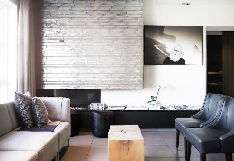 Odinsve Hotel Apartments, Reykjavík, Ingresso interno