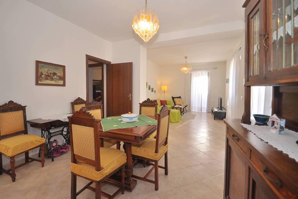 Apartment, 1 Bedroom - Tempat Makan dalam Bilik