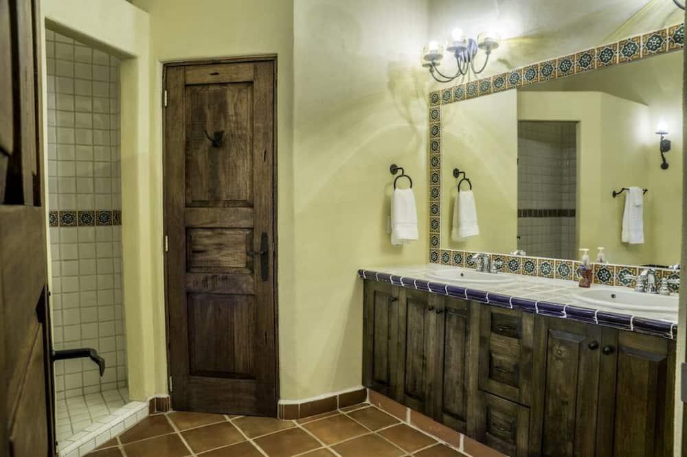 Family Villa, 2 Bedrooms - Bathroom