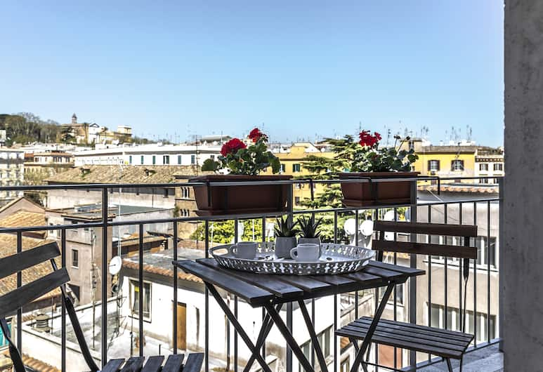 Top Floor Trastevere, Rome, Double Room, Balcony, Guest Room