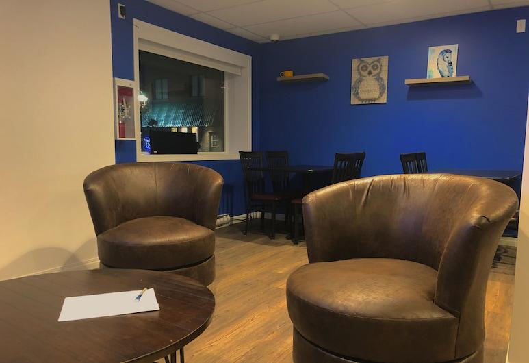 The Sleepy Owl, Fort Frances, Lounge no Hotel