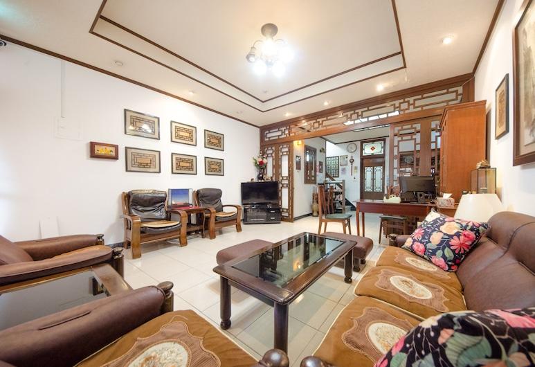 南筑雅室-成功大學, 台南市, 家庭聯排別墅, 5 間臥室, 客廳