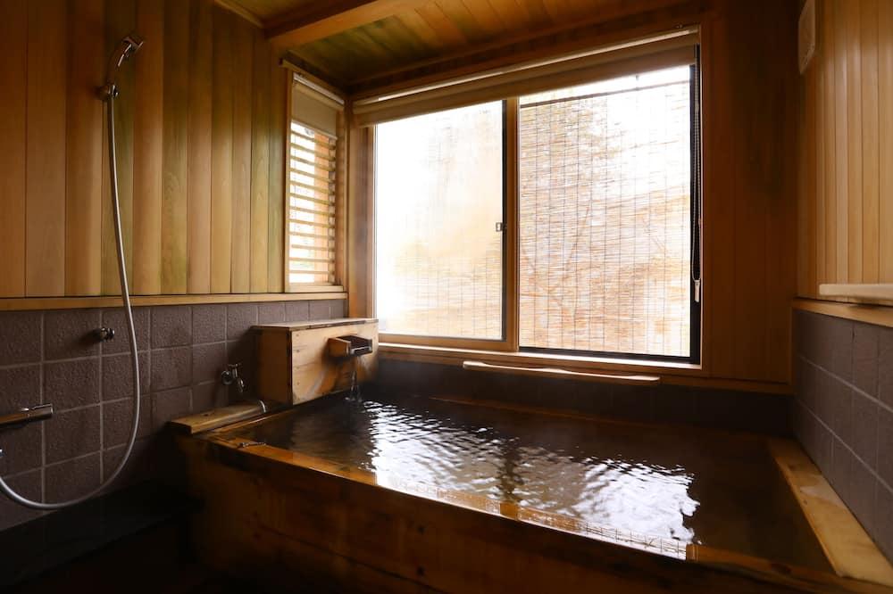Premium Suite, Non Smoking, Private Bathroom - Bathroom