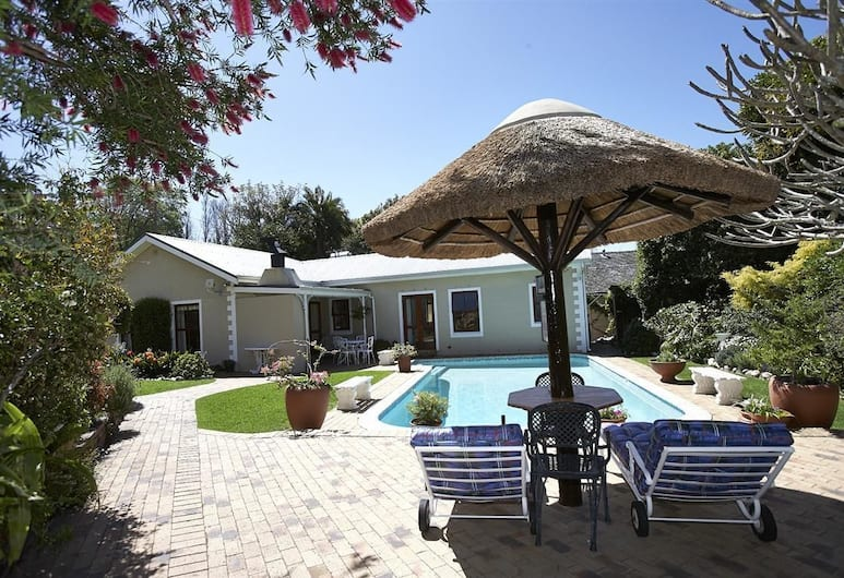 Valley Heights Guest House B&B, Cape Town, Property Grounds