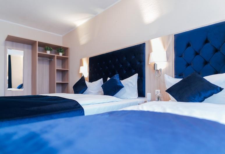 Hotel CULT Hamburg, Hamburg, Classic-Vierbettzimmer, Zimmer