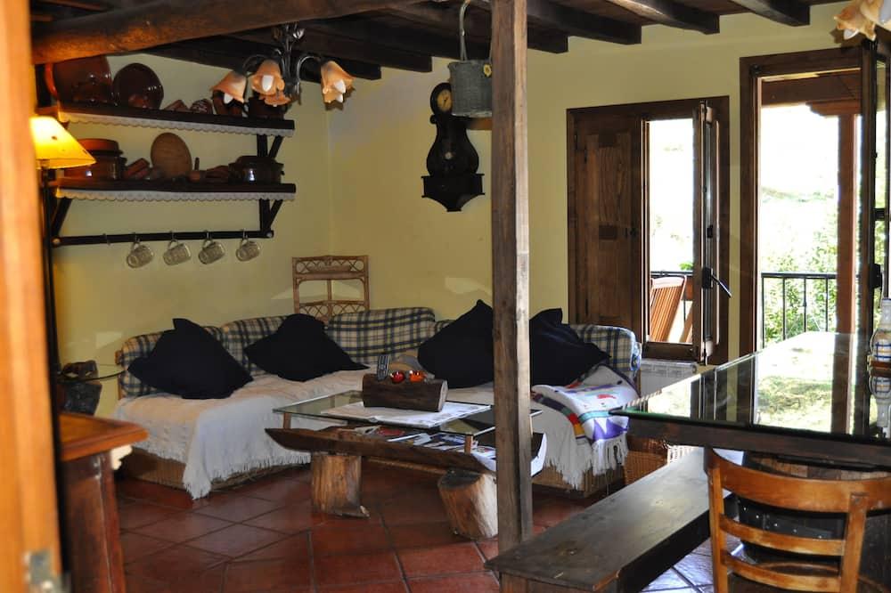Traditional Ev, 4 Yatak Odası, Teras - Oturma Alanı