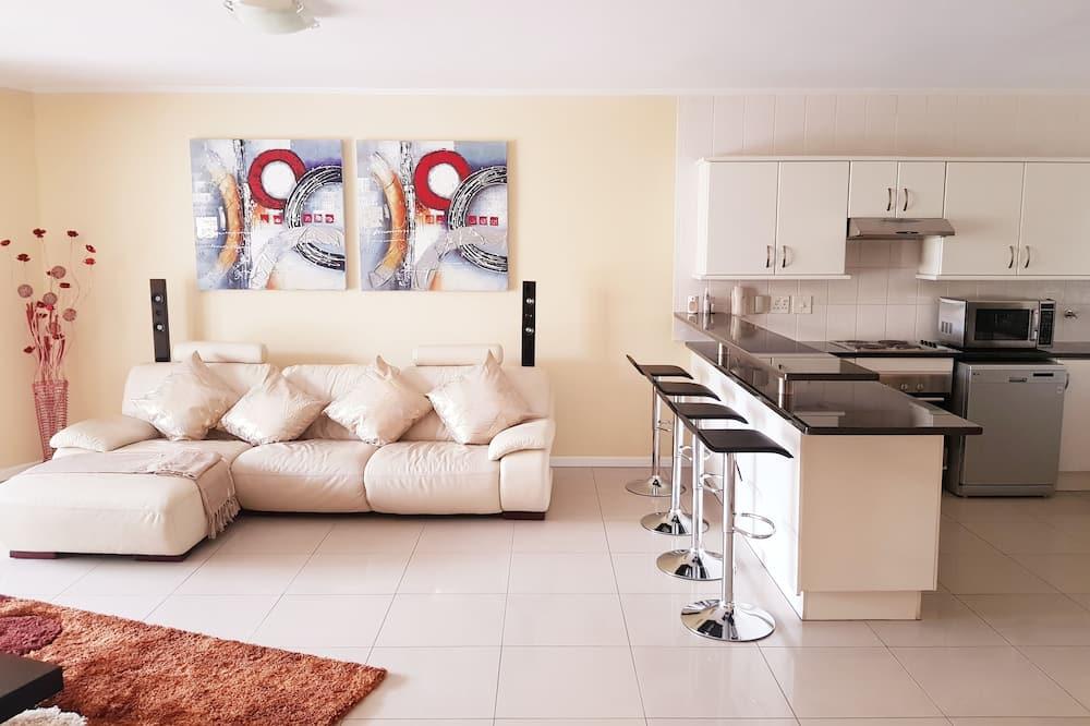 Luksusa dzīvokļnumurs, trīs guļamistabas, skats uz kanālu, pirmais stāvs - Dzīvojamā zona