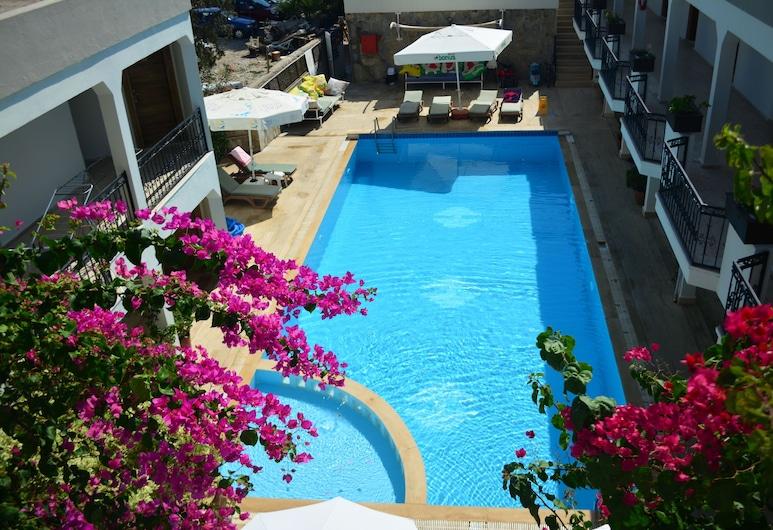 블루 베이 호텔, 보드룸, 야외 수영장