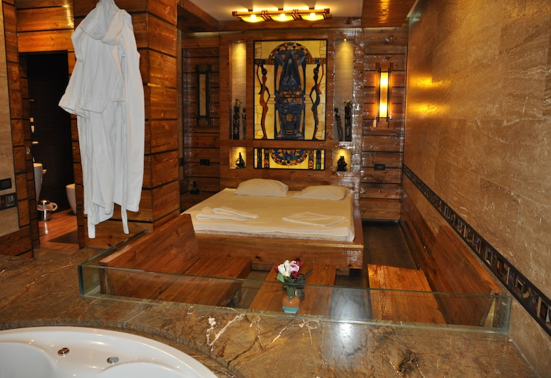 Baxos Hotel, Erevan, Deluxe suite, masažna kada, Masažna kada