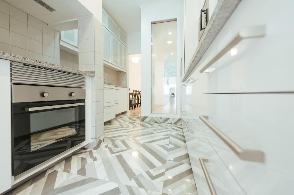 Apartment, 5 Bedrooms (2nd floor) - Private kitchen