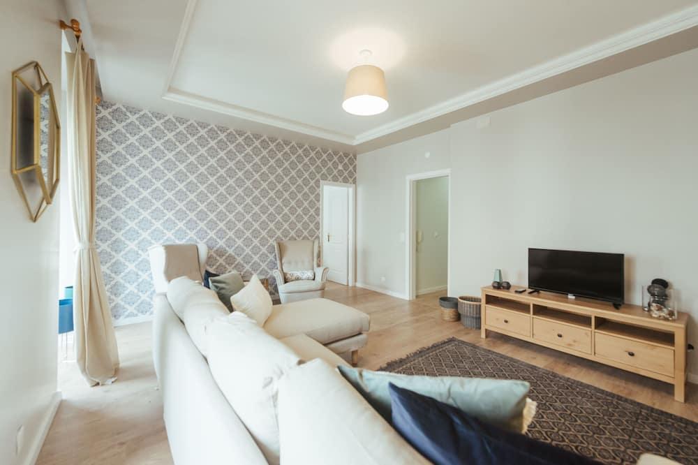 Apartment, 5 Bedrooms (2nd floor) - Living Room