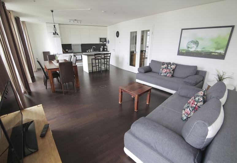 Kalixx GmbH, Berlin, Comfort Apartment, 2 Bedrooms, Balcony, Living Area