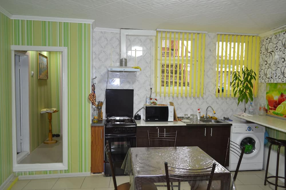 Economy Double or Twin Room, No Windows - Shared kitchen