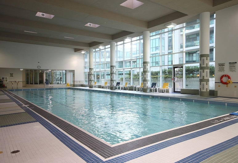The Pinnacle Boutique Suites, Toronto, Indoor Pool