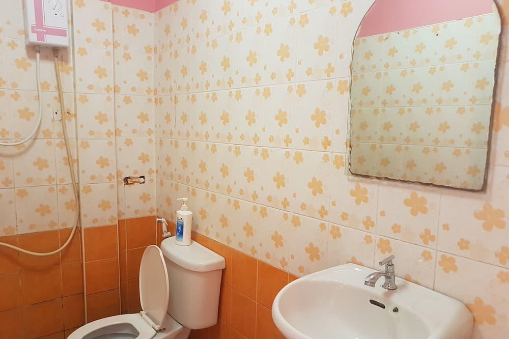 Standard Double Room - Ванна кімната
