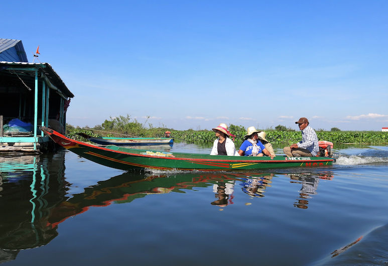 Phocea Cruise Phnom Penh to Siem Reap (1 way on Tuesday), Phnom Penh, Lake