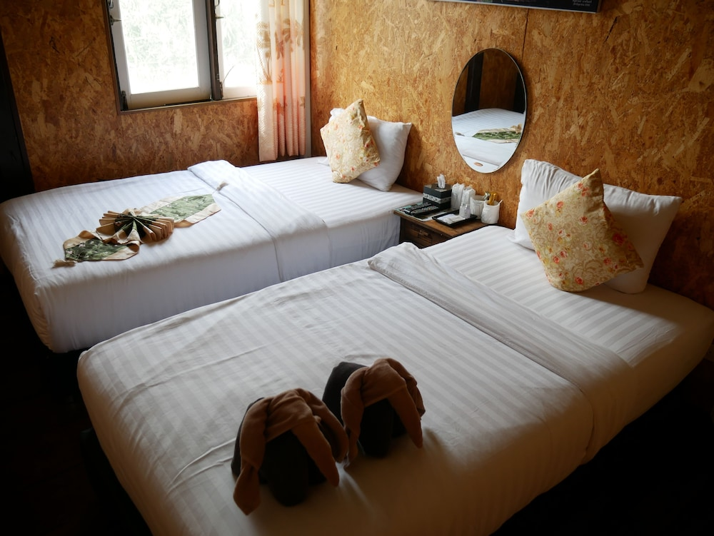 Bon Aen Guy Boutique Hotel, Sukhothai, Twin Room With Shared Bathroom , Guest  Room