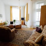Basic Double Room, 1 Double Bed - Living Area