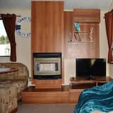 Luxury Mobile Home, Multiple Beds, Garden View - Living Area