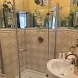 Premium House, 5 Bedrooms, Balcony, River View - Bathroom