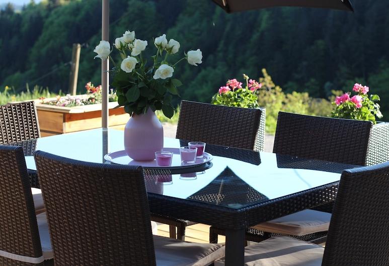 Ferienwohnung by Josef Lanzinger, Bad Vigaun, Terrasse/veranda