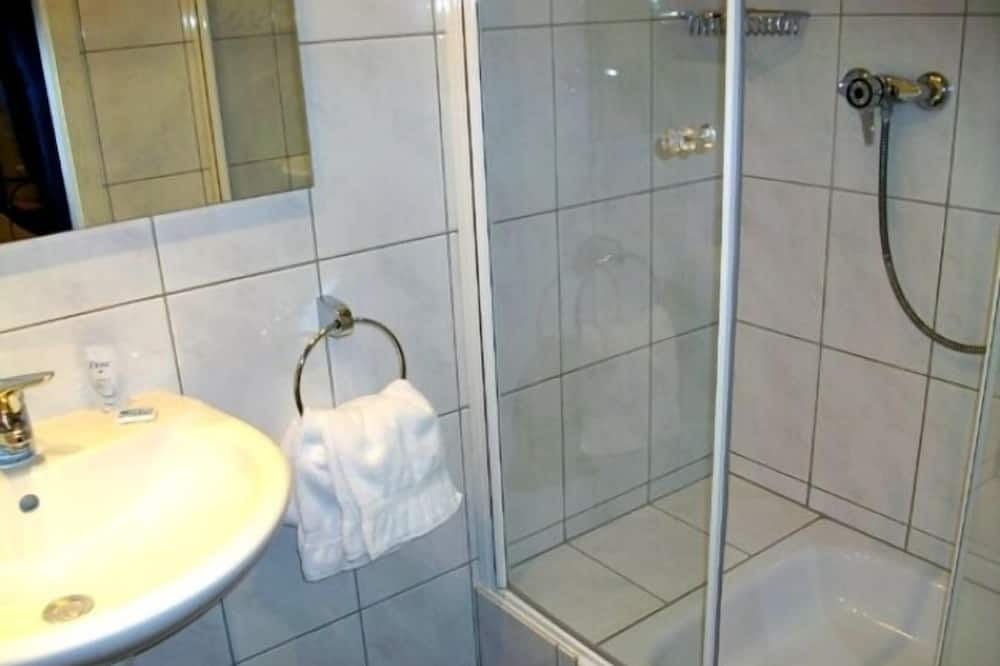 Comfort Double Room, Balcony - Bathroom